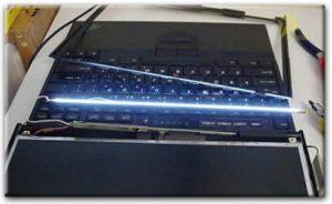 искаженное изображение на экране ноутбука